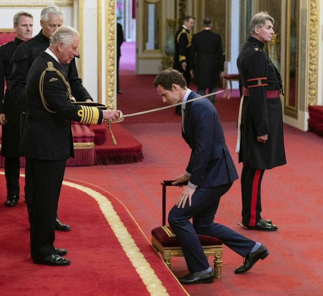andy murray gets knights from prince charles
