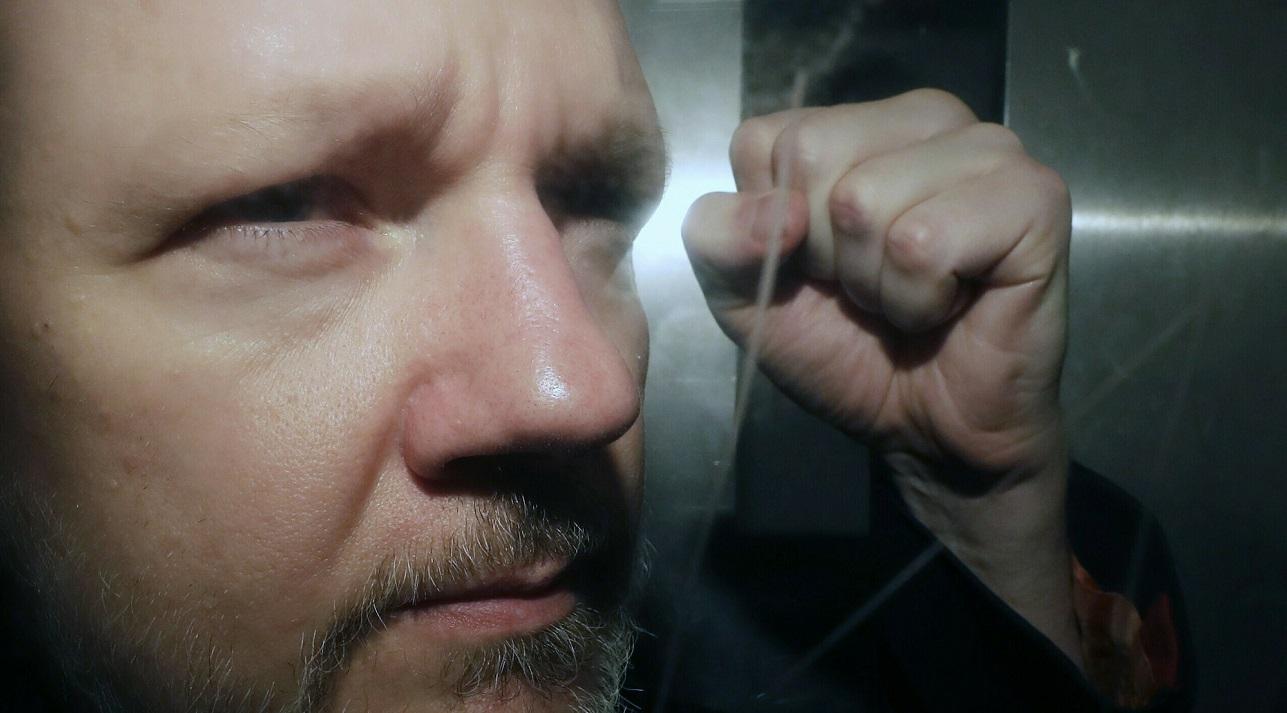 julian assange us extradition battle begins 2019 images