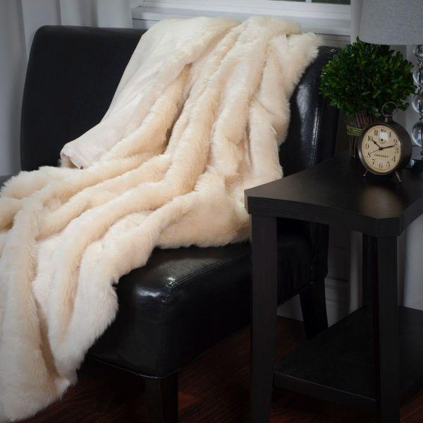 luxury cozy throw blanket for new mom gifts 2019
