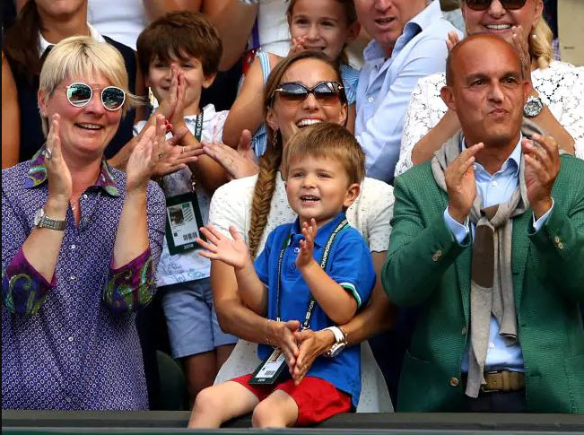 novak djokovics son clapping stefan at french open 2019