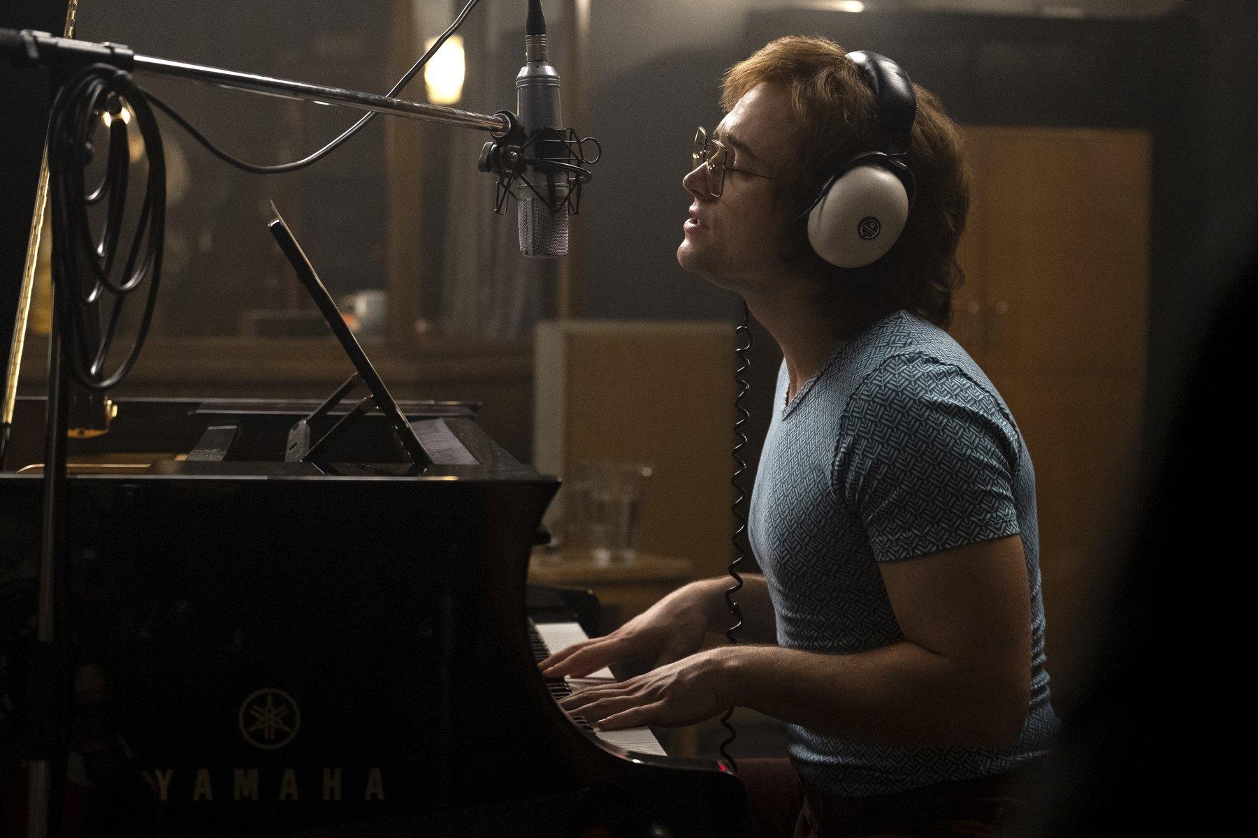 tagon egerton playing piano as elton john movie images 2019