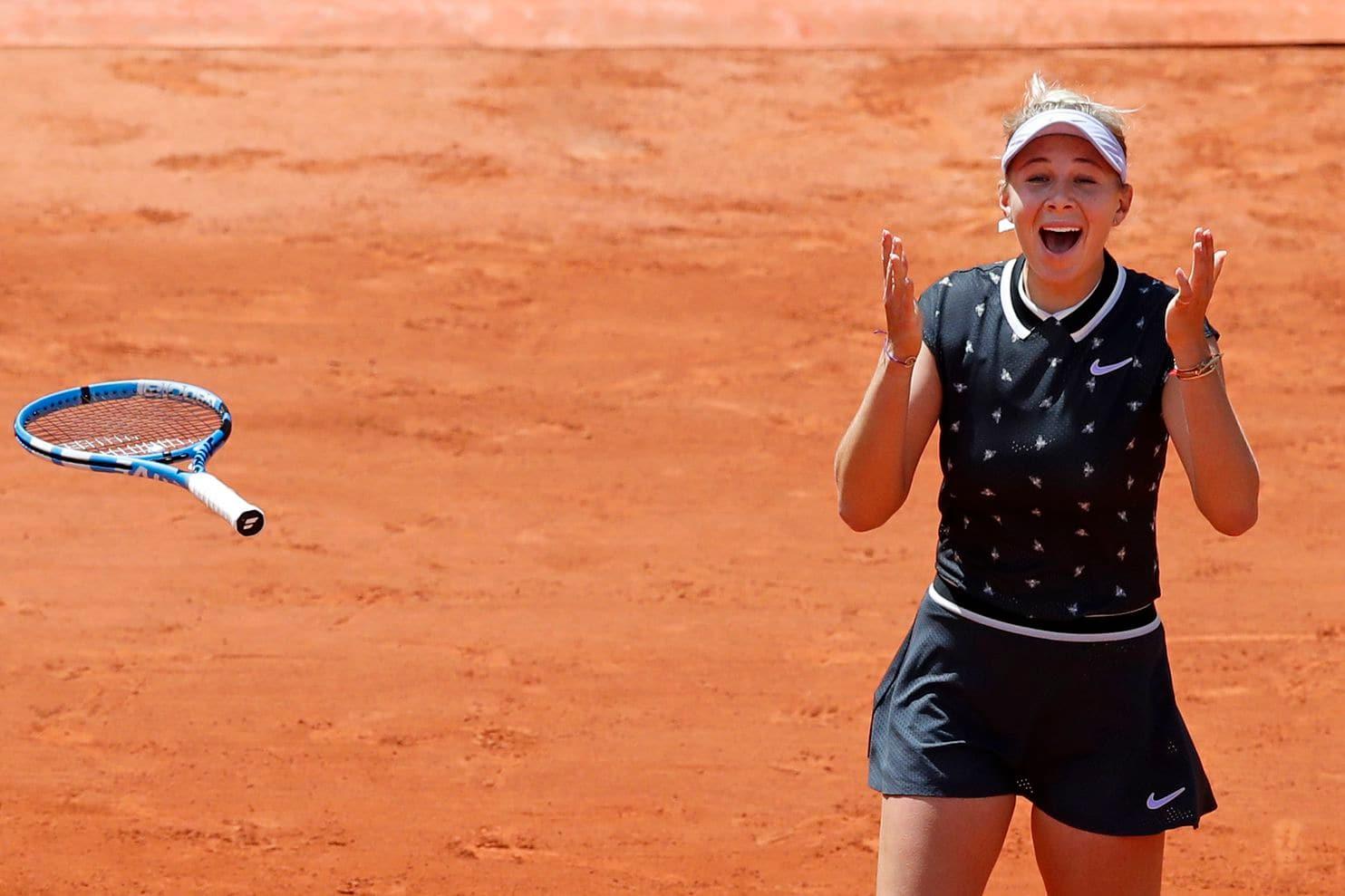 Amanda Anisimova french open semifinals beating simona halep