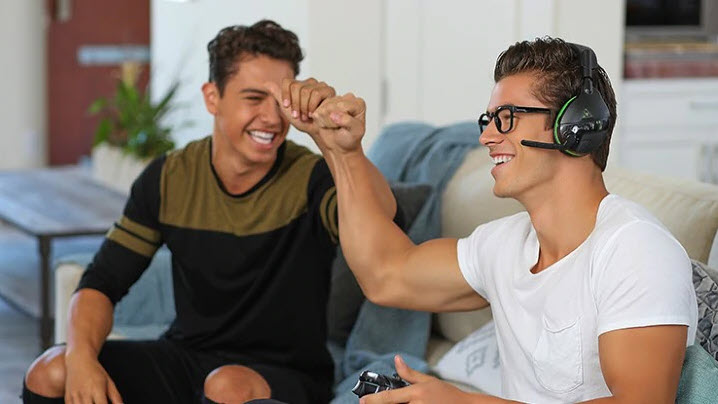 sexy guys using turtle beach recon 70 gaming fun