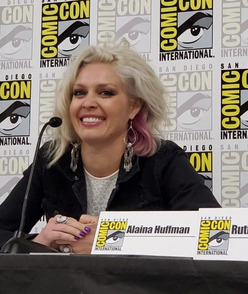 Alaina Huffman smiling for Beyond Scream Queens Supernatural Comic Con 2019