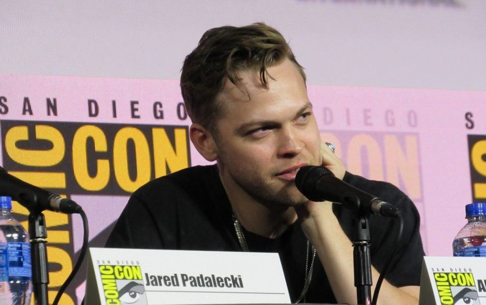 Alex Calvert answers Supernatural fan questions Comic Con 2019