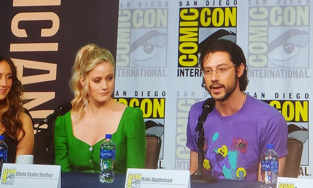 Hale Appleman answers questions wtih Olivia Dudley Magicians Comic Con 2019