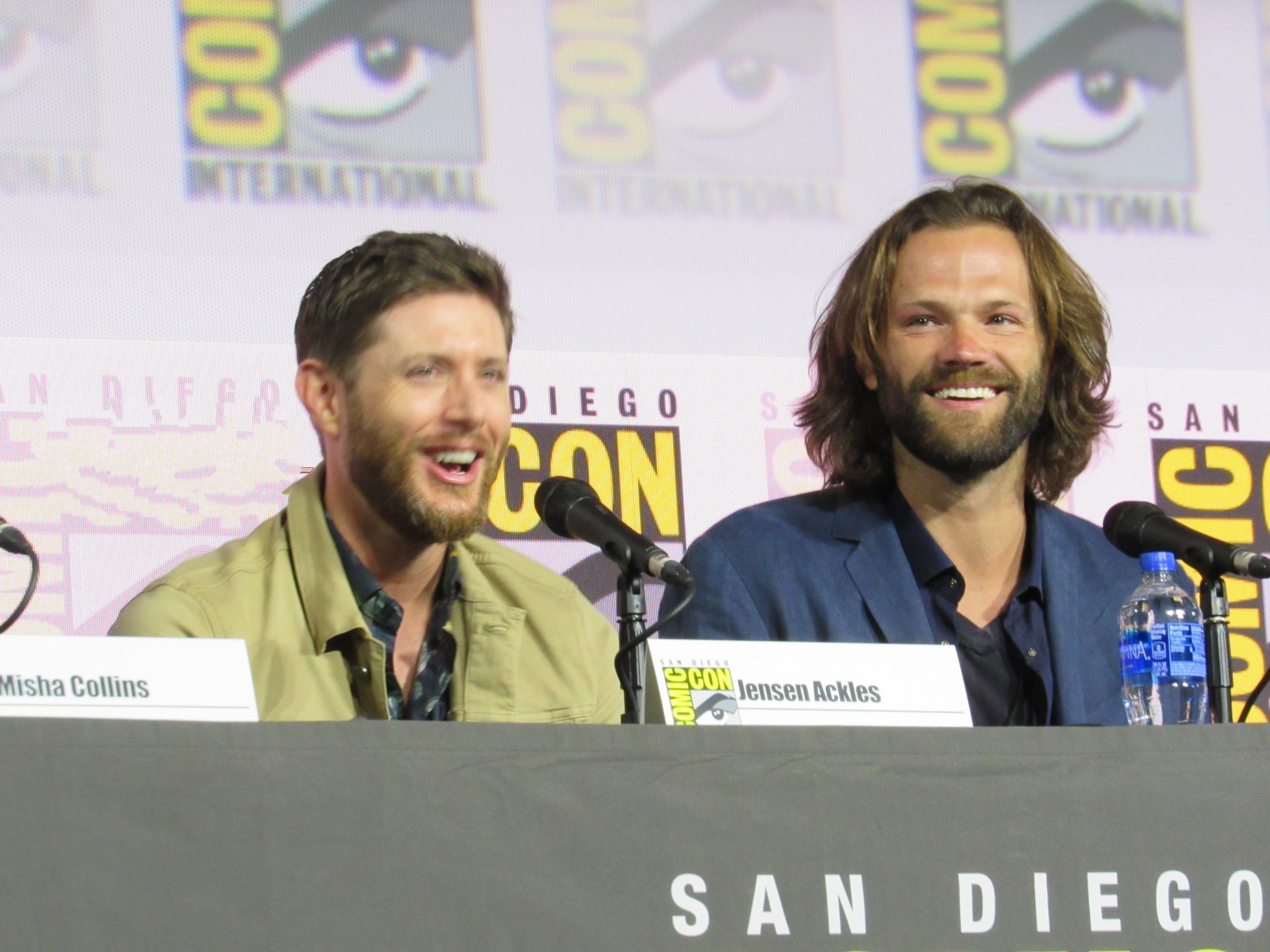 Jared Padalecki trying not to cry with Jensen Ackles SPN Comic Con panel 2019