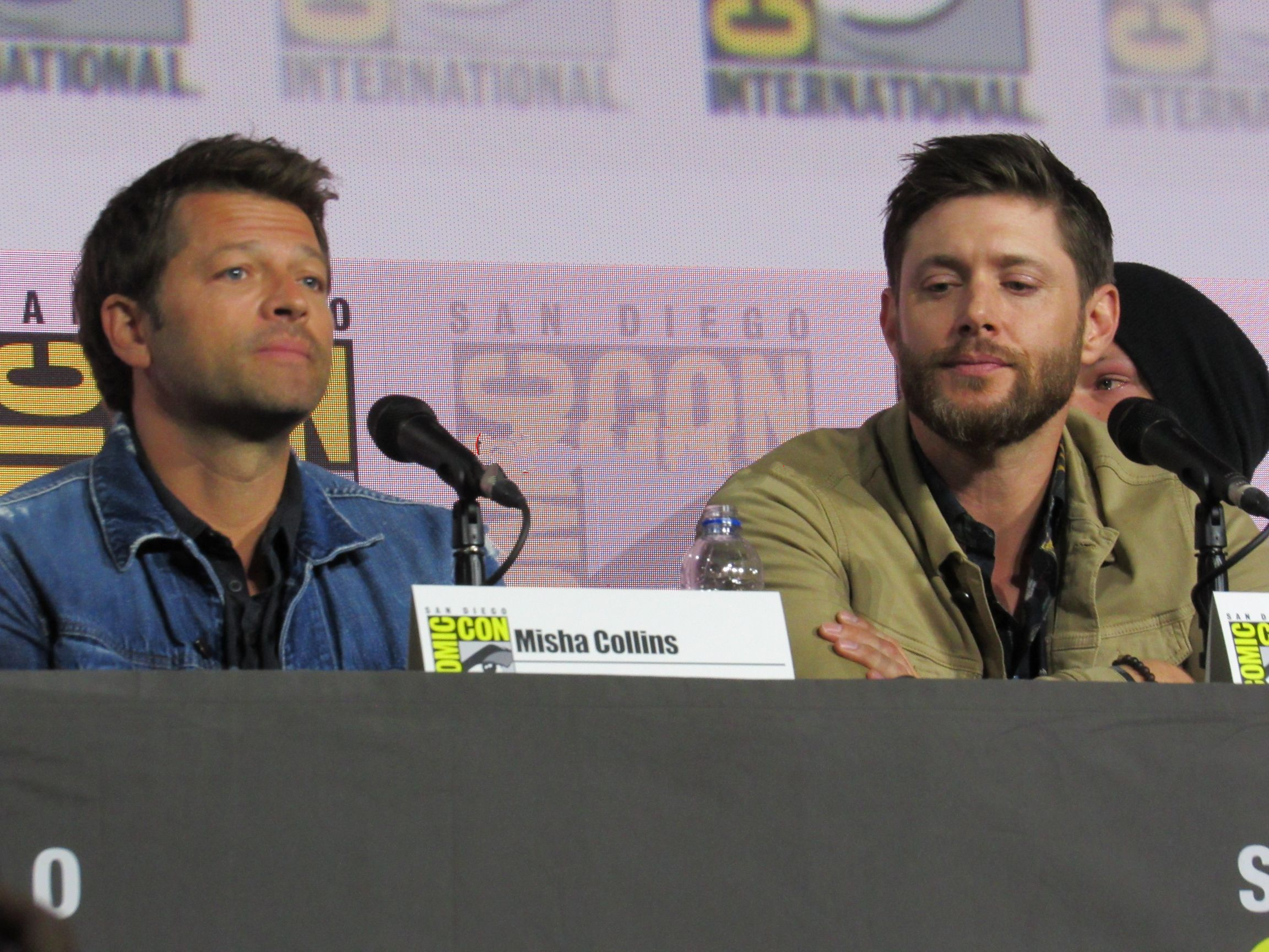 Jensen Ackles comforting emotional Misha Collins at SPN Comic Con 2019
