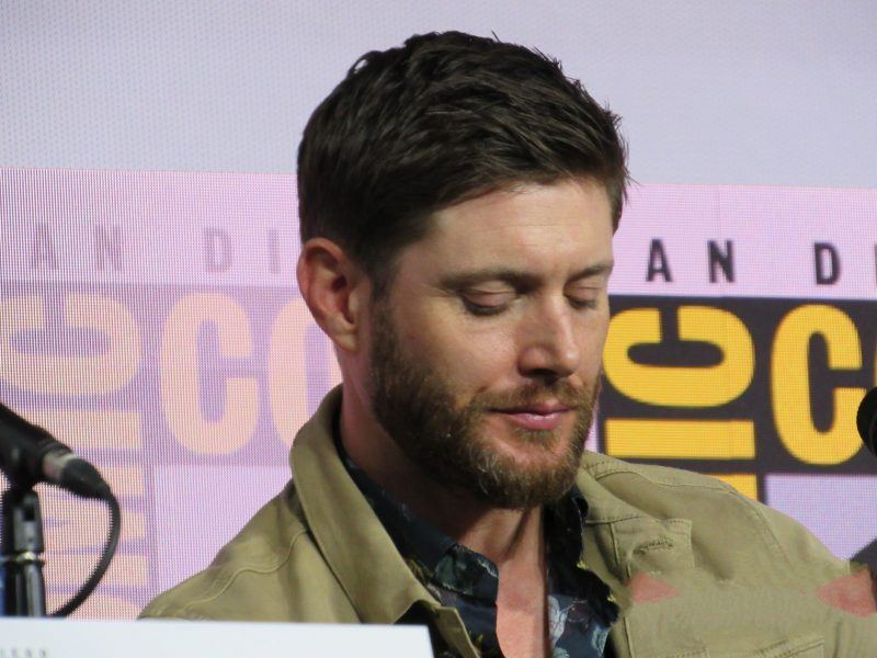 Jensen Ackles controlling emotions at Comic Con for SPN final season 2019