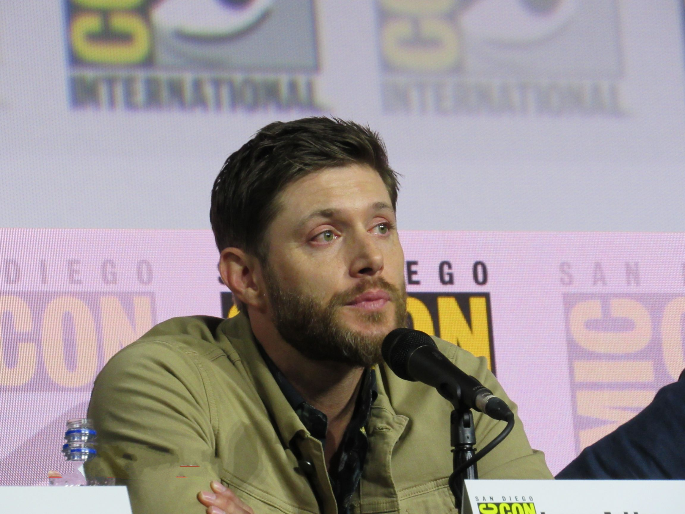 Jensen Ackles emotional at Supernatural final comic con panel 2019