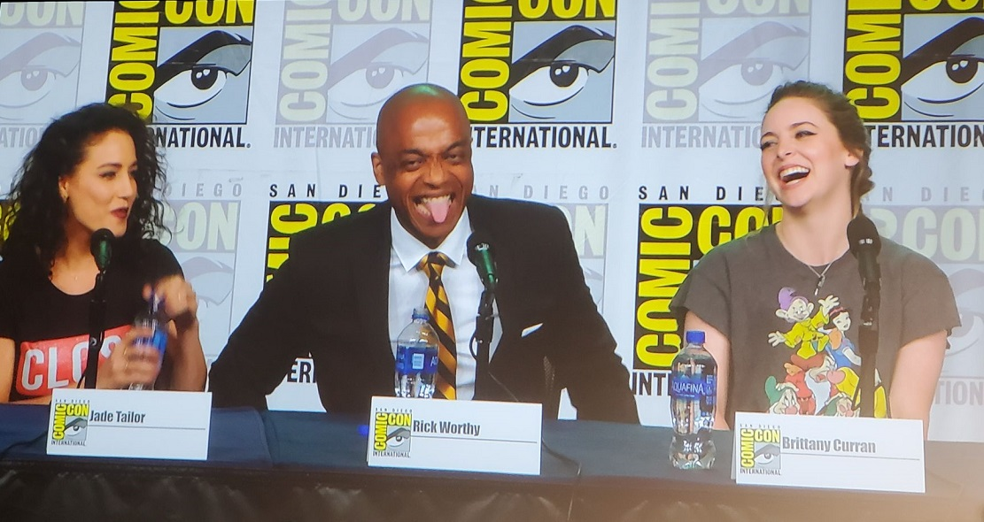 Magicains rick worthy tongue out comic con mttg panel 2019