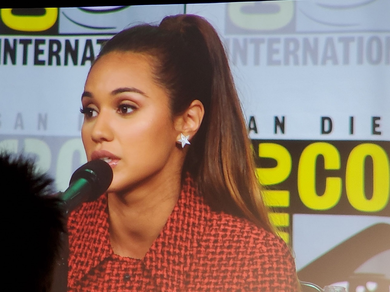 Summer bishil on mrago breakdown magicians comic con interview 2019