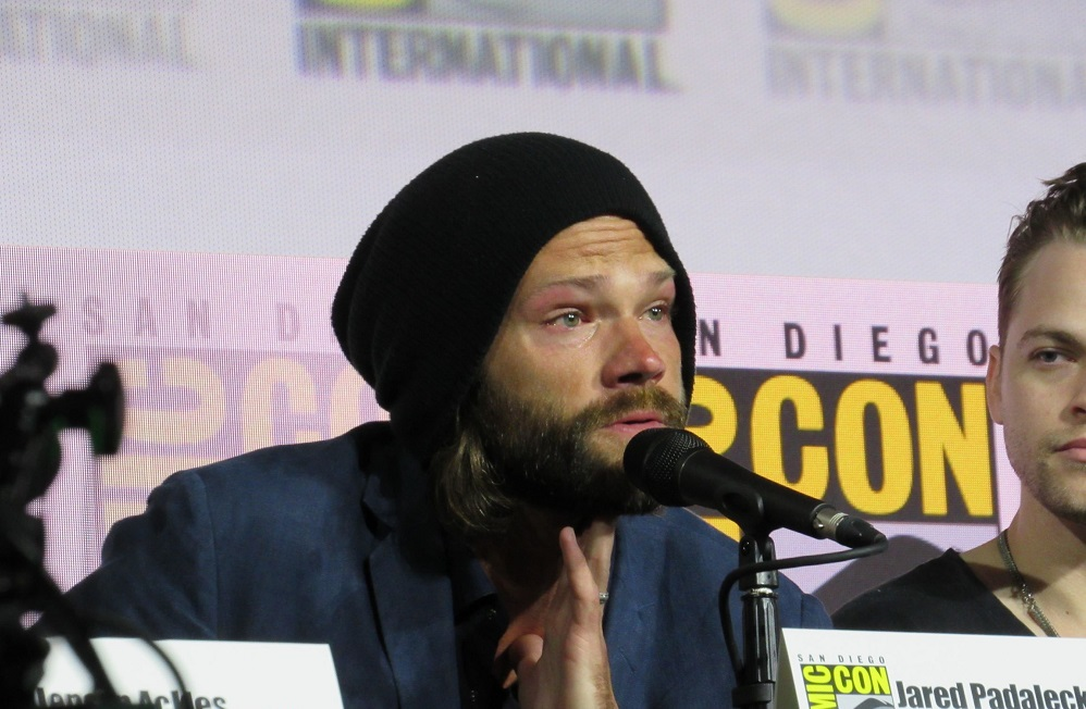 Supernatural Jared Padalecki crying hard at final Comic Con panel 2019