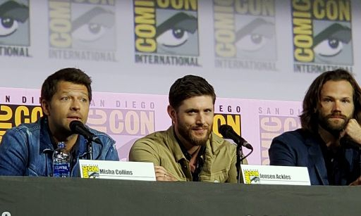 Supernatural Misha Collins very emotional with Jensen Ackles Jared Padalecki Comic Con