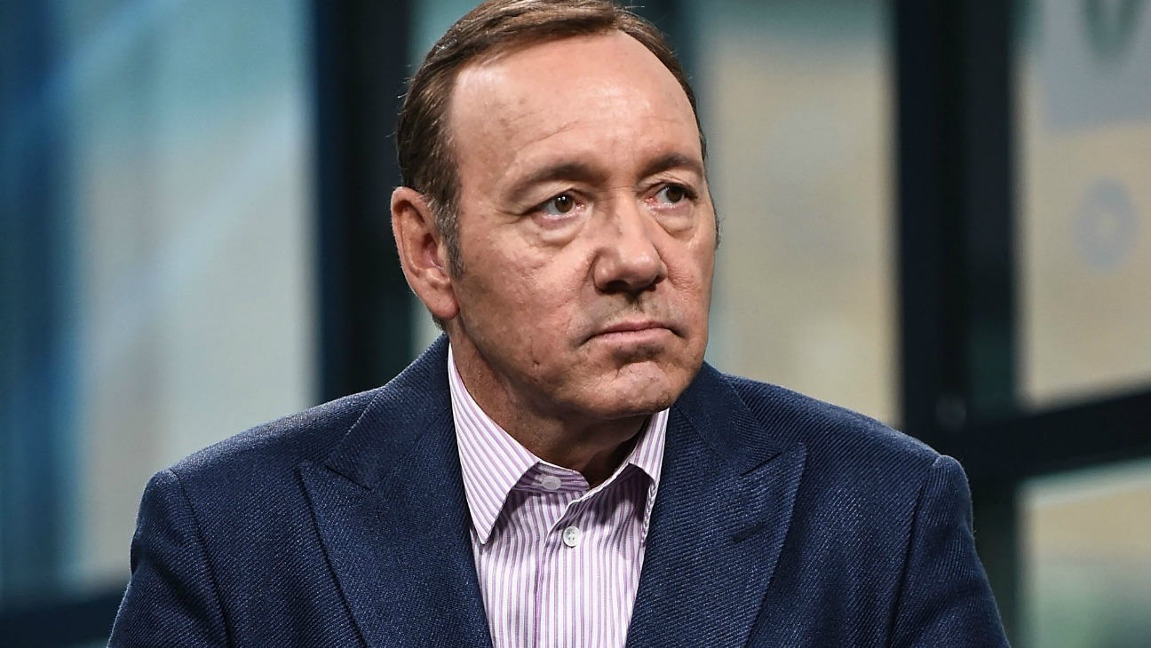kevin spacey loses one accuser as scotland yard steps in 2019 images