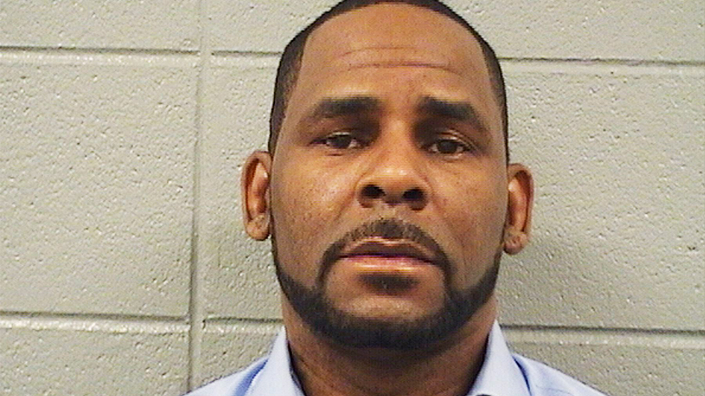 r kelly facing new charges now with others 2019