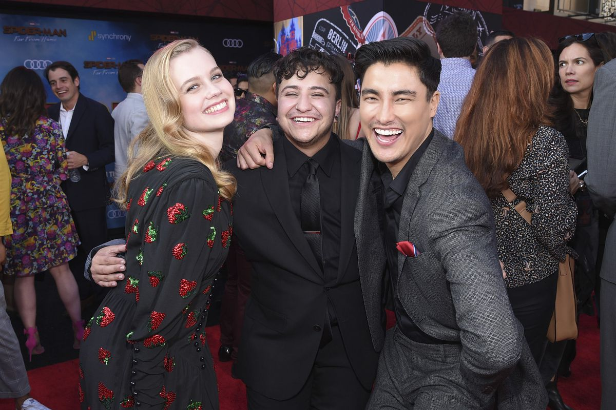 zach barack with spider man far from home cast remy hii 2019 images