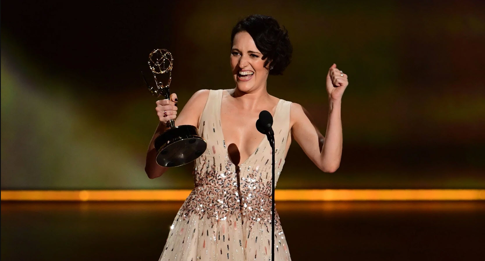 fleabag pushes veep julia louise dreyfuss our of emmys