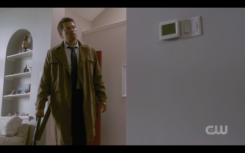 Castiel bursts in to save Sam Winchester SPN 1501