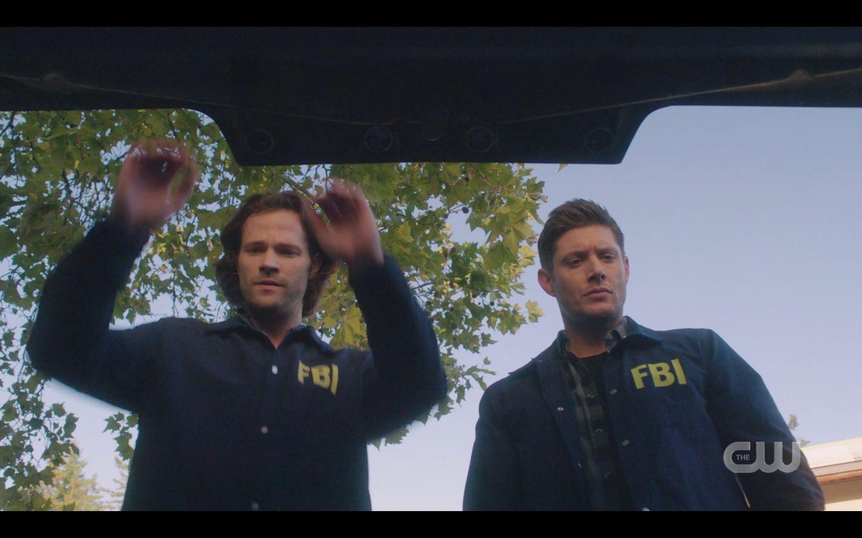 Supernatural 1501 Sam Dean Winchester FBI jackets open trunk of Baby