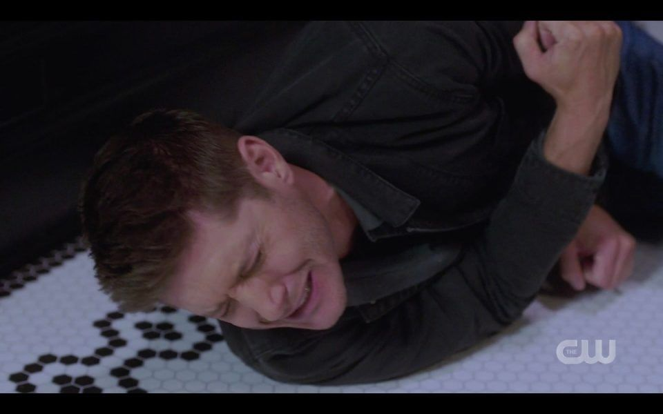Dean Winchester attacked by mom witch Golden Time SPN