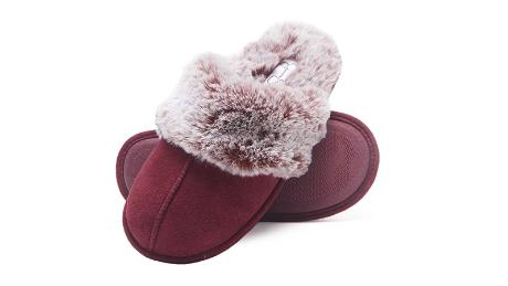 Jessica Simpson Comfy faux fur women's house slipper hot holiday gift deals