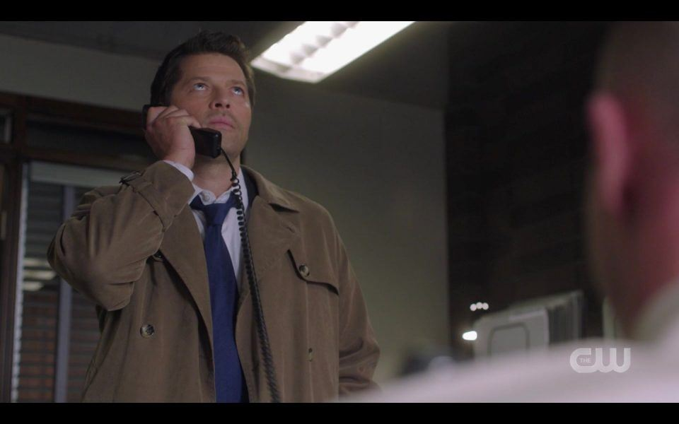 Long shot of Castiel on phone with Dean Winchester SPN 1506