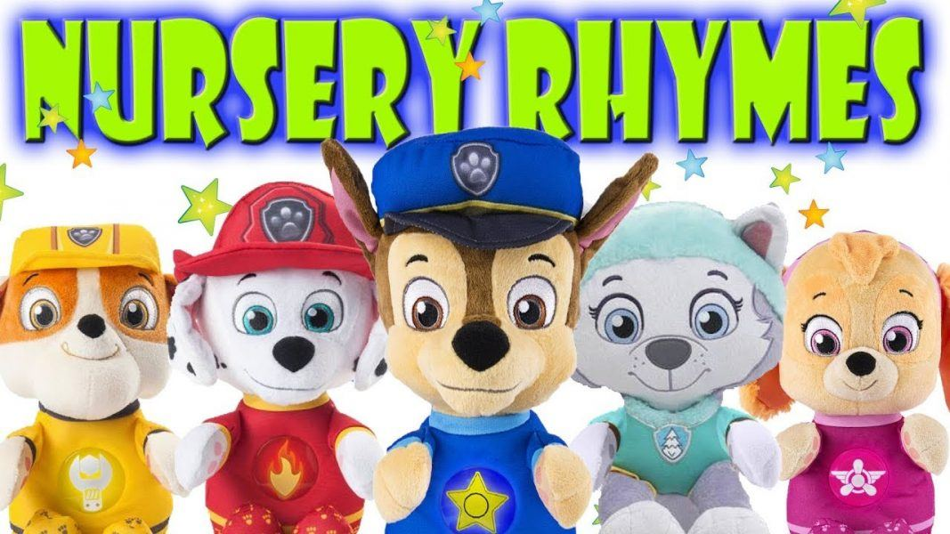 Paw Patrol - Snuggle Up Pup - Skye 2019 hottest holiday kids toys collectible gifts