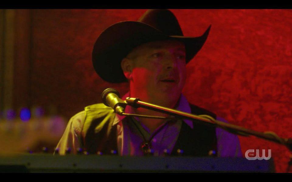 Chris Glyn Jones in SPN Last Call bar episode