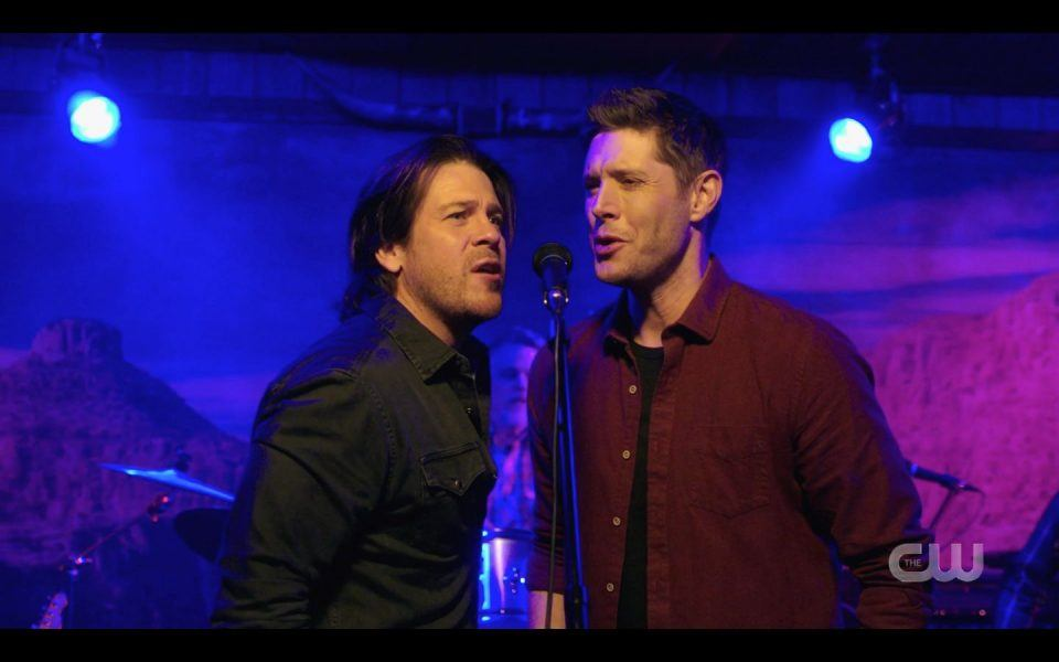 Christian Kane gets close with Jensen Ackles to sing Supernatural 1507