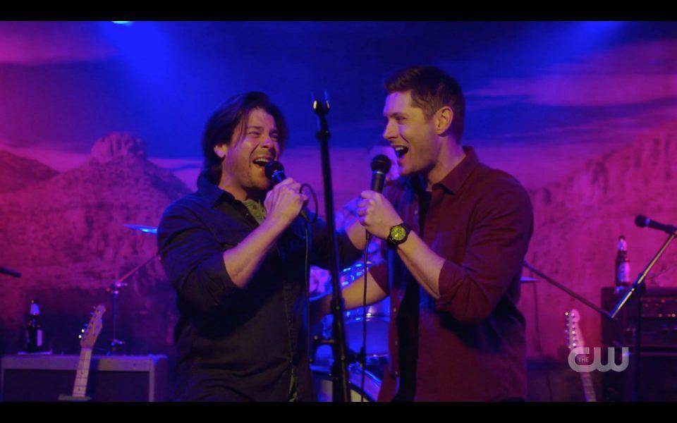 Christian Kane singing smiling with Jensen Ackles Dean Winchester SPN
