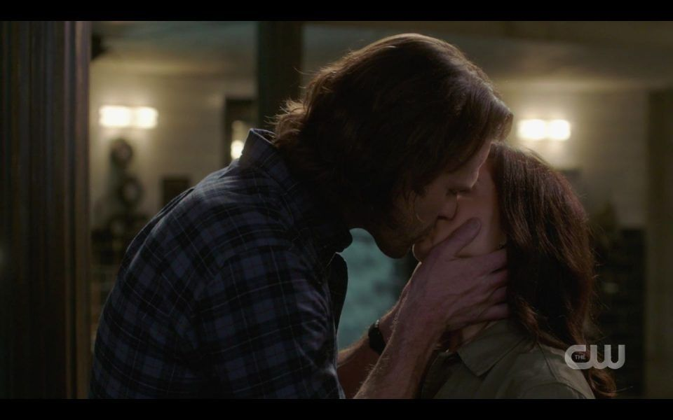 Sam Winchester kissing Eileen hard SPN 1509
