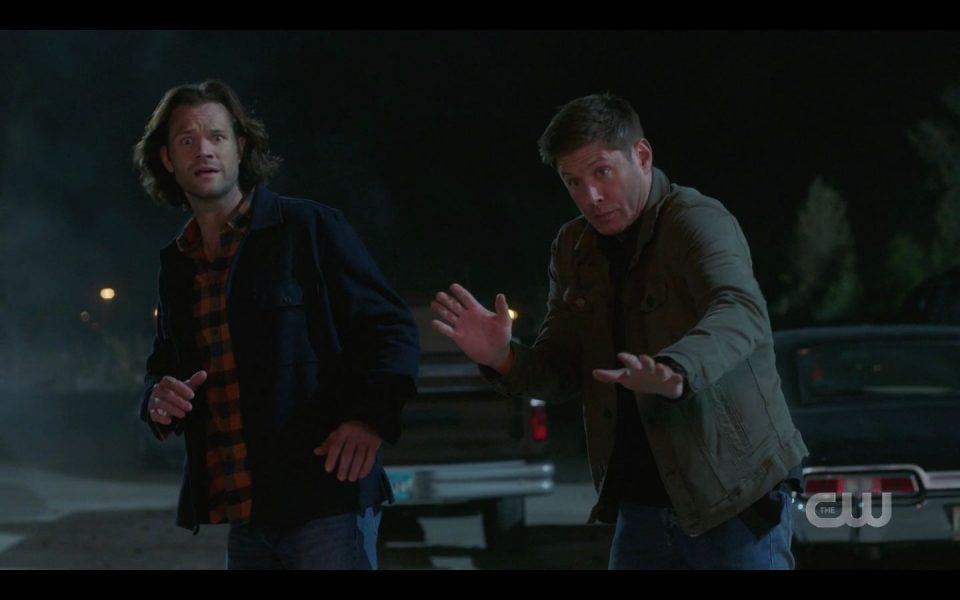 Winchester brothers see Garth blowing up warehouse SPN 1510