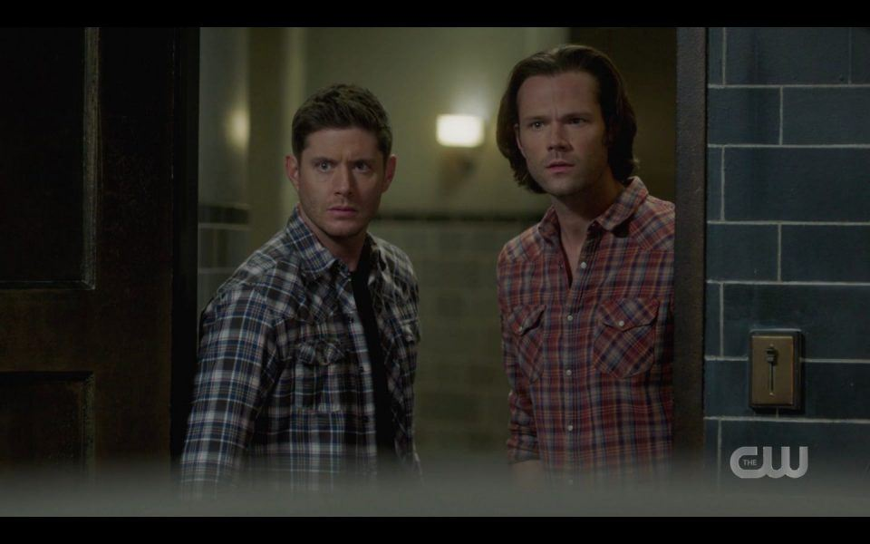Sam Dean Winchester distracted by loud noise of AU Sam Dean arriving SPN 1513