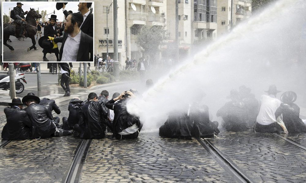 orthodox jewish funeral goers blasted with NYC water cannons fake news 2020