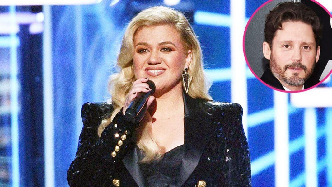 kelly clarkson sued by husbands fathers 2020
