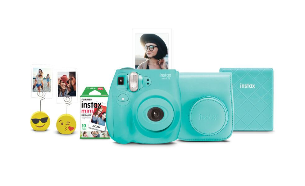 Fujifilm Instax Mini 7S Instant Camera with 10-pack film - Seafoam Green 2020 hottest kids tech toys