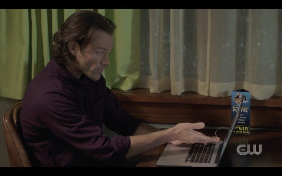 Sam Winchester not noticing Caitlin ran out of room SPN 1516