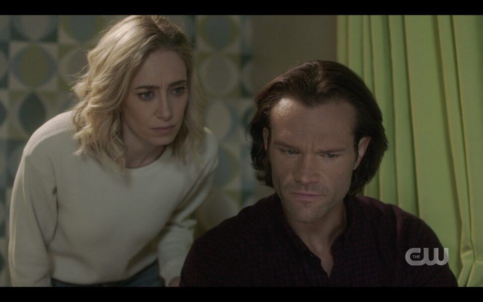 Sam Winchester tells Caitlin power of Baba Yaga is in her ring SPN 1516