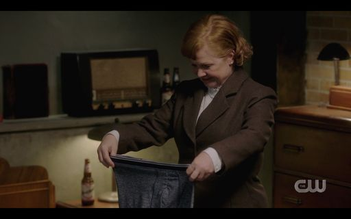 Mrs Butter folding up Winchester brothers underwear SPN 15.14