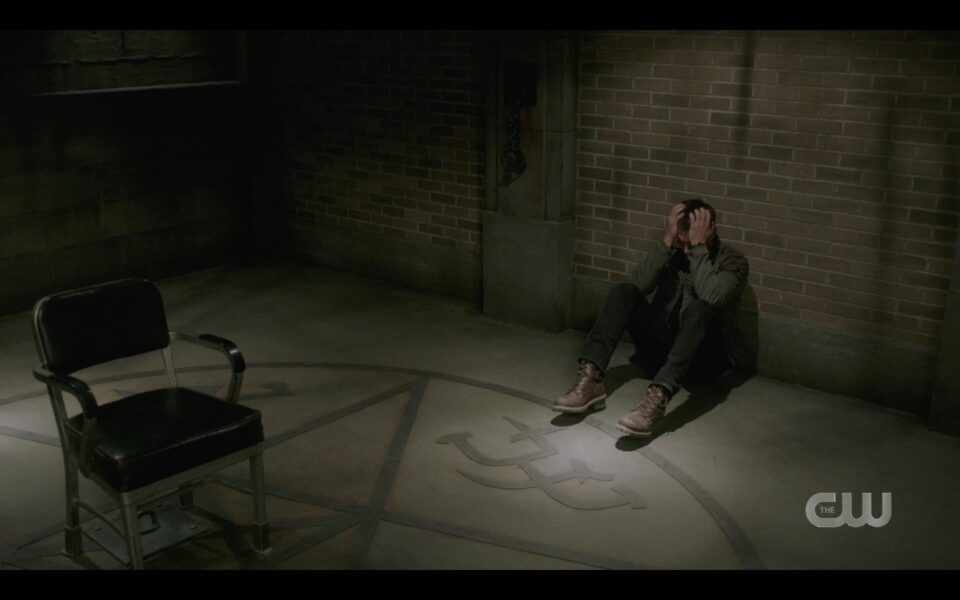 SPN 1518 Dean winchester crumbled on floor as Sam calls him mttg