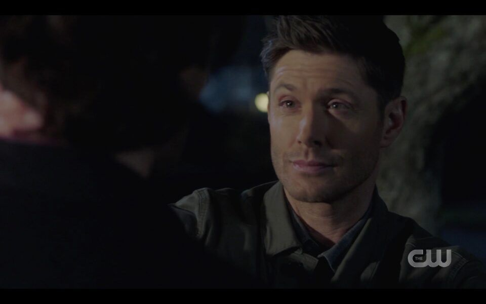 SPN Dean Winchester giving phone to Sam from Eileen 1518