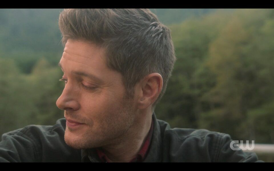 SPN Jensen Ackles turning away crying at finale