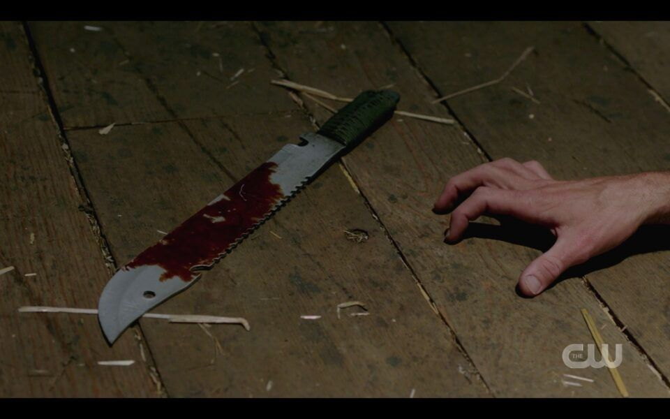 SPN Sam Winchester hand reaching for machete to kill Jenny 1520