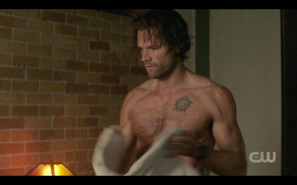 SPN Sam Winchester shirtless in bedroom finale