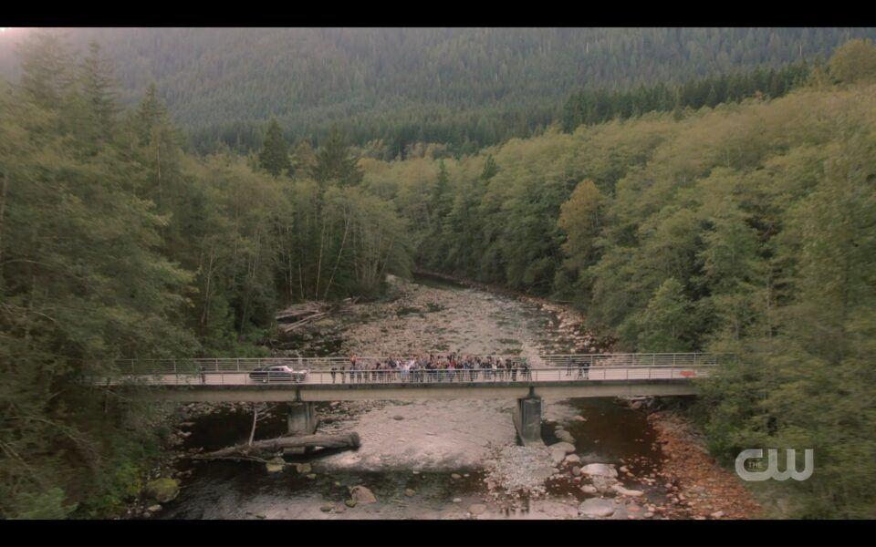 SPN finale end on bridge with cast