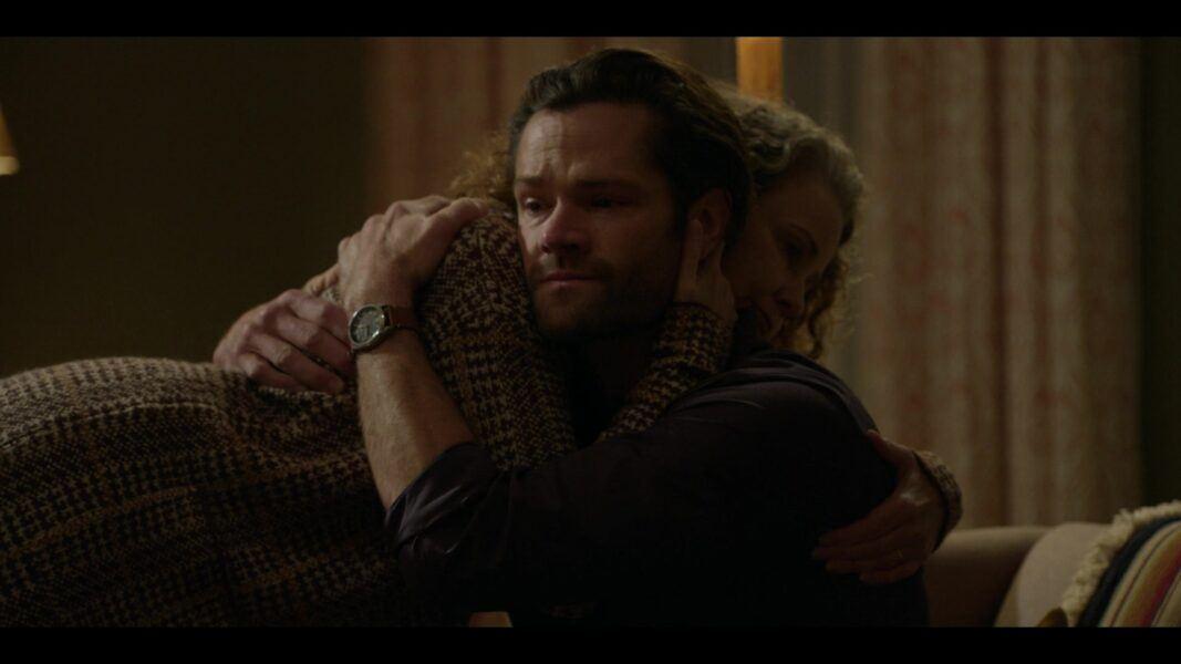 Walker giving Abbie a big hug 104 Jared Padalecki