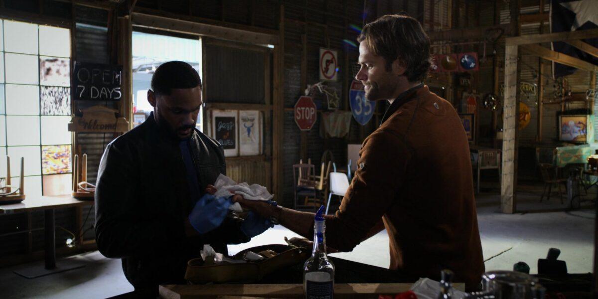Walker Trey fixing Jared Padaleckis hand Bar None