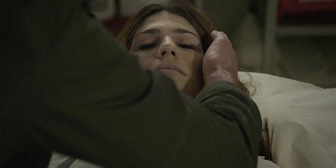 Walker touching dead wife Emilys head Jared Padalecki and Gen Padalecki.
