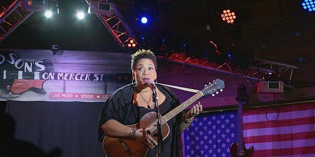 Walker Minnie Jayne singing about Robert Johnson Crossroads Encore 110.